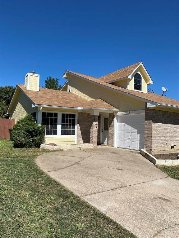 10004 Pack Saddle Trail, Fort Worth, TX 76108 (MLS #14443713) :: The Hornburg Real Estate Group