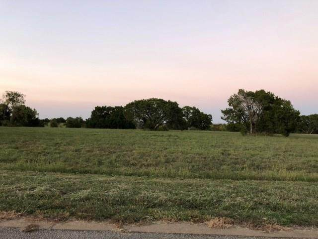 7216 Carnoustie Drive, Cleburne, TX 76033 (#14445192) :: Homes By Lainie Real Estate Group