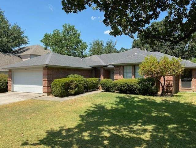 6849 Old Mill Road, North Richland Hills, TX 76182 (MLS #14445311) :: The Mauelshagen Group