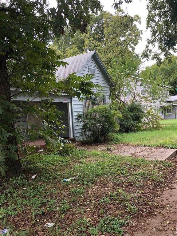 1102 E Terrell Avenue, Fort Worth, TX 76104 (MLS #14449437) :: The Hornburg Real Estate Group