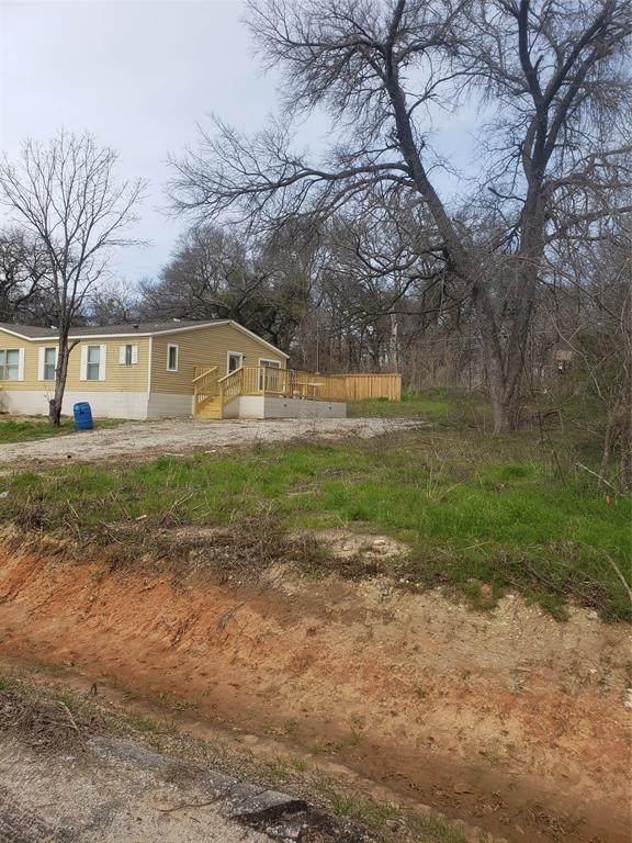 7138 Hop Street, Azle, TX 76020 (MLS #14454495) :: The Paula Jones Team | RE/MAX of Abilene