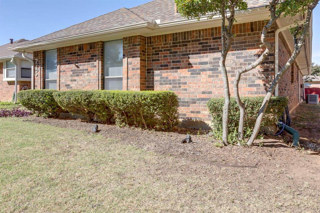 745 Red Oak Drive - Photo 1