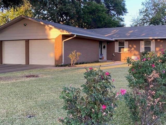 1319 N Rodgers, Graham, TX 76450 (MLS #14460102) :: The Kimberly Davis Group