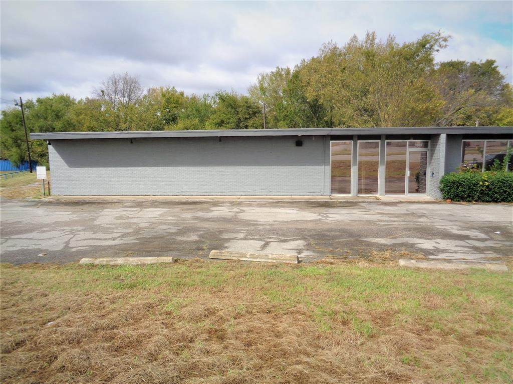 3902 Texoma Parkway - Photo 1