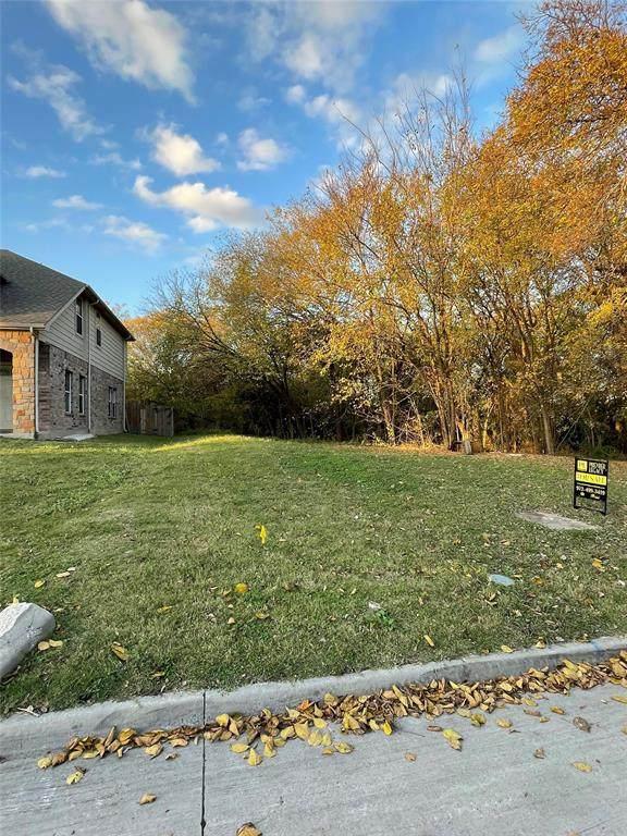 813 Fenet Street, Mckinney, TX 75069 (MLS #14469600) :: Frankie Arthur Real Estate