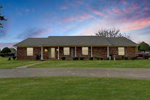 3121 Westgate Drive, Denton, TX 76207 (#14469661) :: Homes By Lainie Real Estate Group