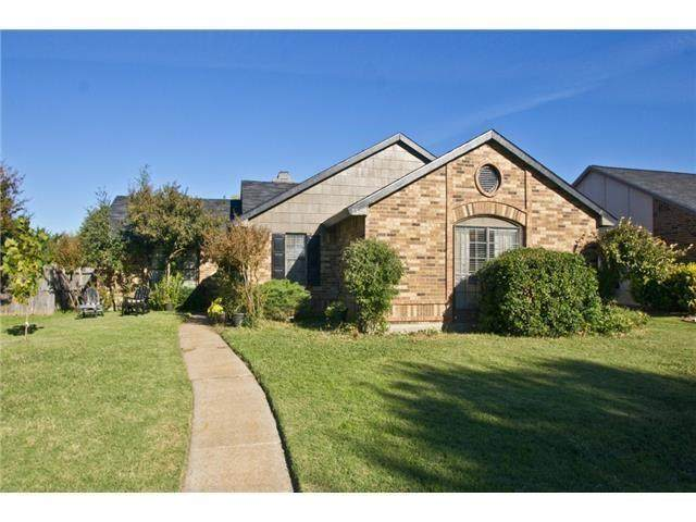 1313 Thoreau Lane, Allen, TX 75002 (#14473680) :: Homes By Lainie Real Estate Group