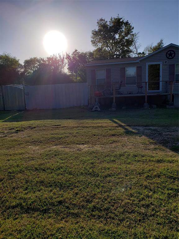 1100 S 7TH, Teague, TX 75860 (MLS #14474322) :: The Mauelshagen Group