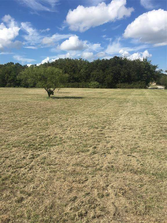200 Wrigley Drive, Springtown, TX 76082 (MLS #14475576) :: The Mauelshagen Group