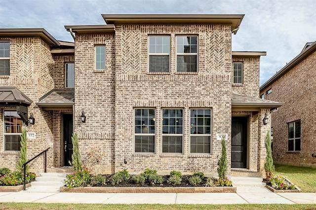 930 Estelle Drive, Euless, TX 76040 (MLS #14475691) :: The Mauelshagen Group