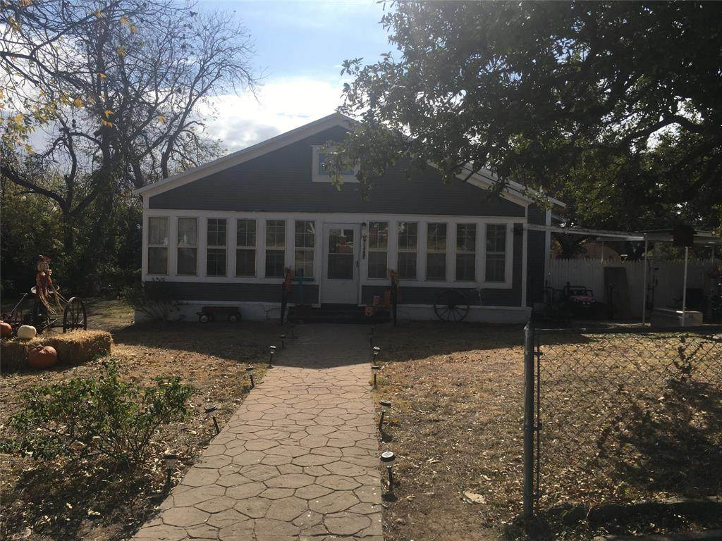 813 College Avenue - Photo 1