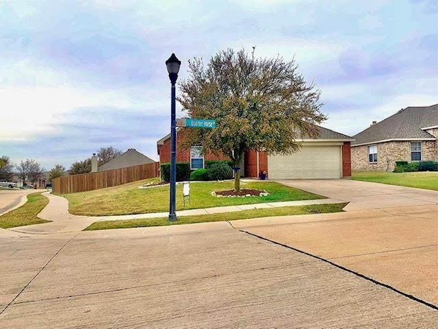 2835 Quarter Horse Lane, Celina, TX 75009 (MLS #14477755) :: The Mauelshagen Group