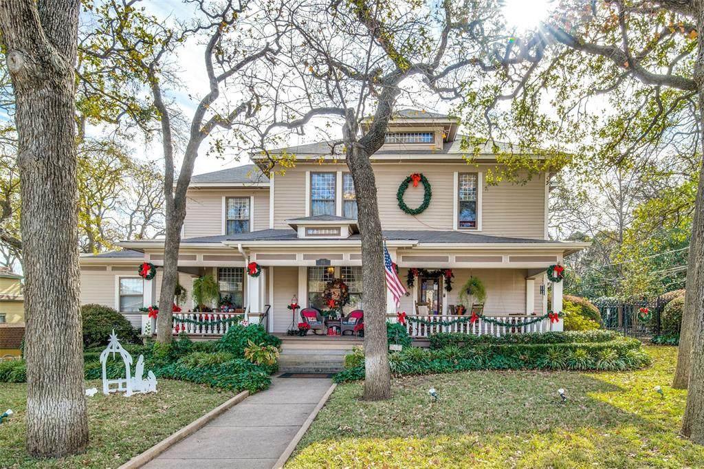 801 Oak Street - Photo 1