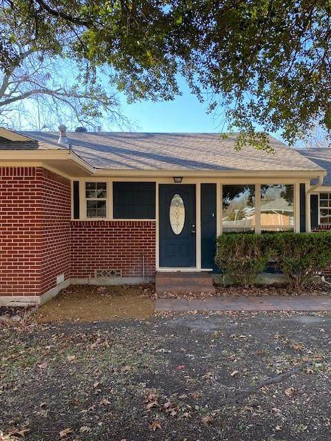 401 Meadow Drive, Gainesville, TX 76240 (MLS #14478328) :: The Kimberly Davis Group