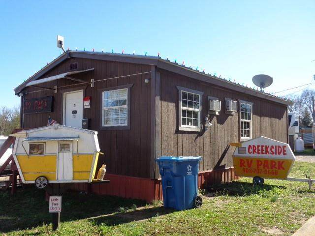 903 S Beech Street, Winnsboro, TX 75494 (MLS #14478761) :: The Mauelshagen Group