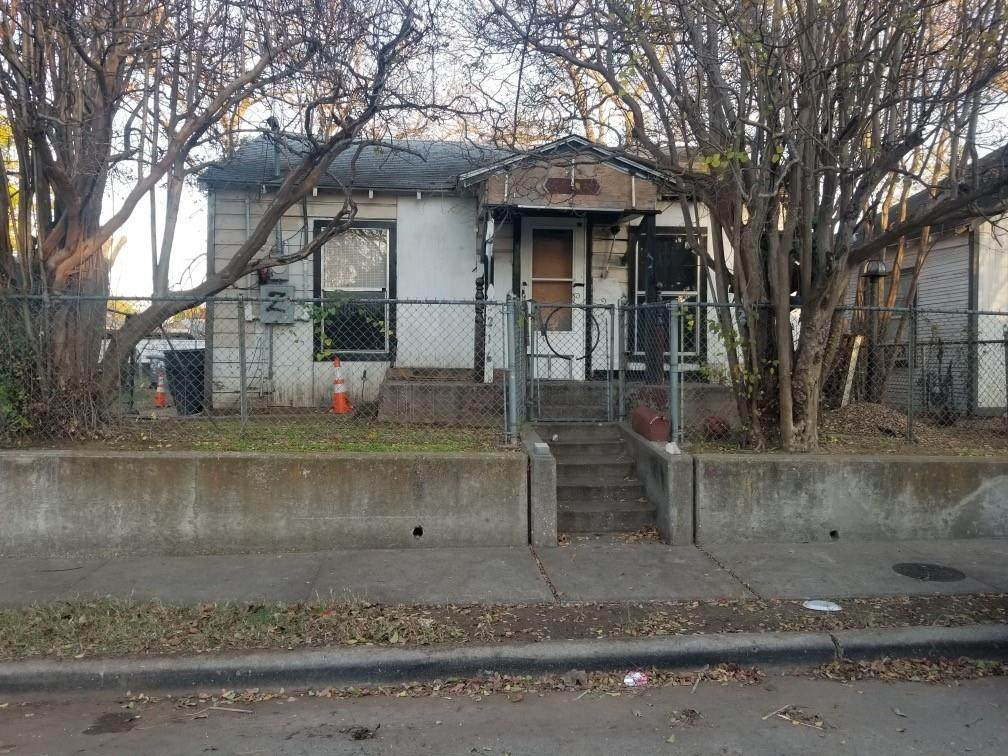 3216 Chihuahua Avenue - Photo 1