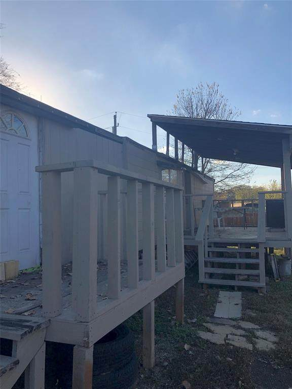 4007 Meadow Lane, Denton, TX 76208 (MLS #14480980) :: Frankie Arthur Real Estate