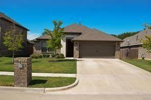 704 Ravenwood Drive, Saginaw, TX 76179 (MLS #14481422) :: Real Estate By Design