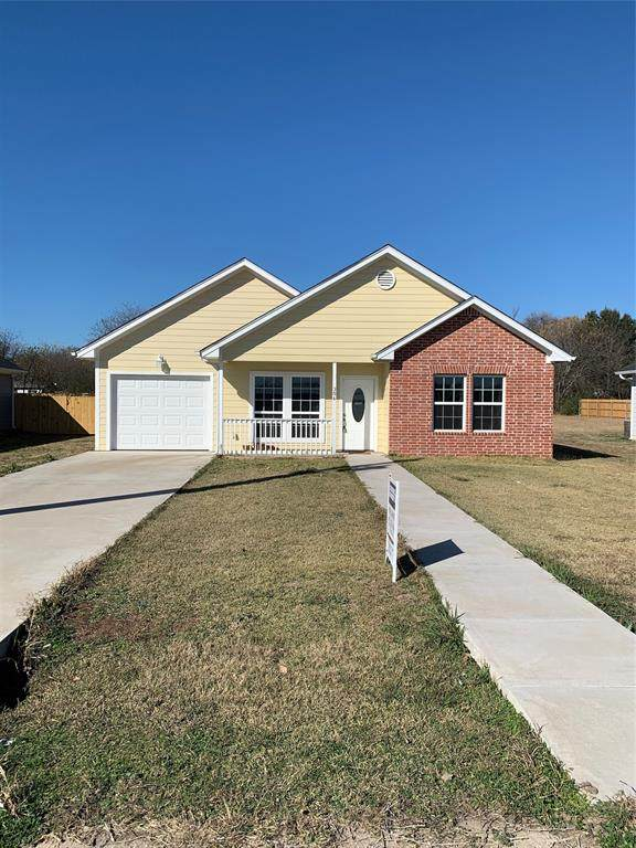 306 Clark Street, Hillsboro, TX 76645 (MLS #14481569) :: RE/MAX Pinnacle Group REALTORS