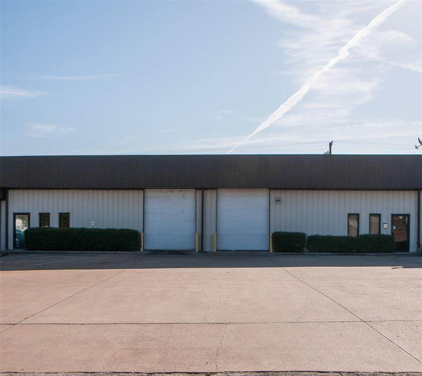 108 Industrial Drive - Photo 1