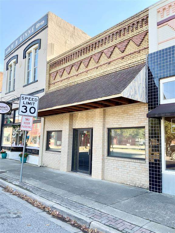 208 California Street - Photo 1