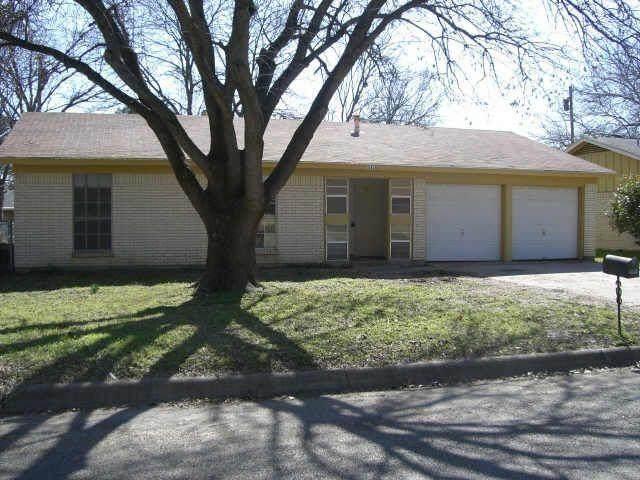 2019 Dove Creek Circle, Aubrey, TX 76227 (MLS #14488054) :: Team Hodnett