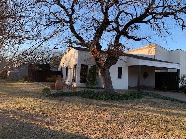 1218 Runaway Bay Drive, Runaway Bay, TX 76426 (MLS #14490291) :: Premier Properties Group of Keller Williams Realty