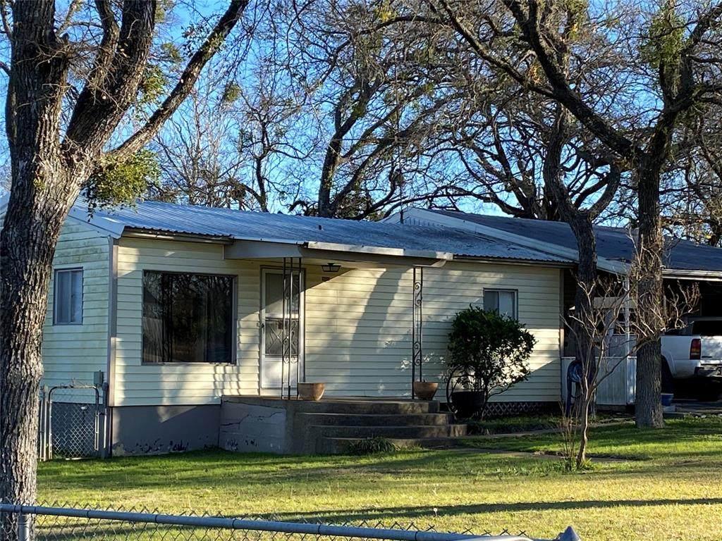 121 County Road 1773 - Photo 1