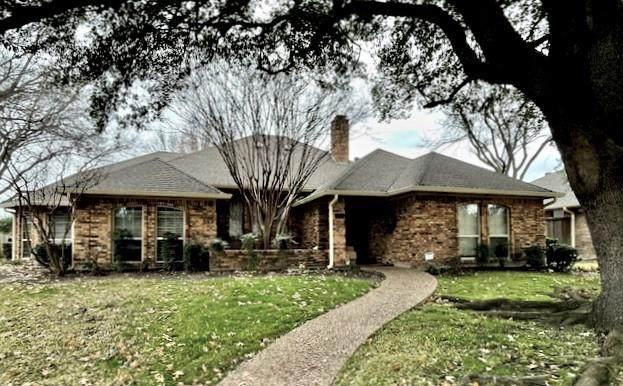 1022 Staffordshire Drive, Carrollton, TX 75007 (MLS #14493703) :: Post Oak Realty