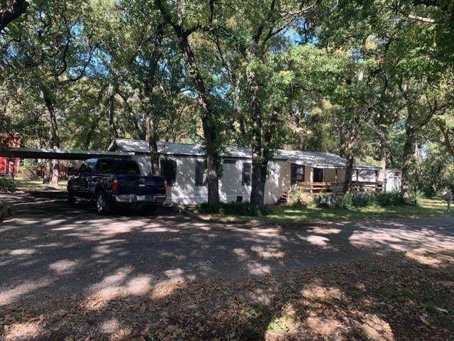 7222 Camp Street, Azle, TX 76020 (MLS #14497168) :: The Rhodes Team