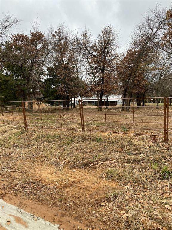 51 Knotted Oaks Court Road, Valley View, TX 76272 (MLS #14497863) :: Trinity Premier Properties