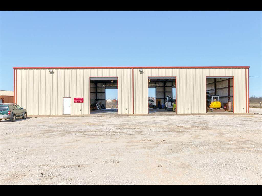 300 Industrial Boulevard - Photo 1