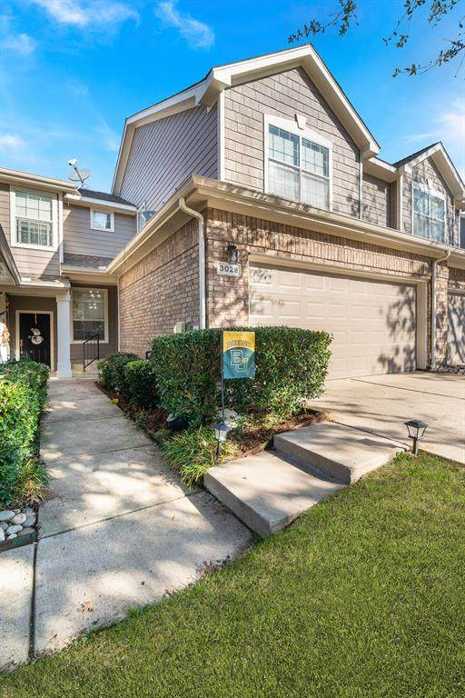 3029 Rolling Meadow Drive, Plano, TX 75025 (MLS #14498484) :: The Mauelshagen Group