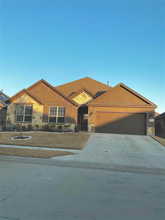 2820 Permian Road, Aubrey, TX 76227 (MLS #14499376) :: Post Oak Realty