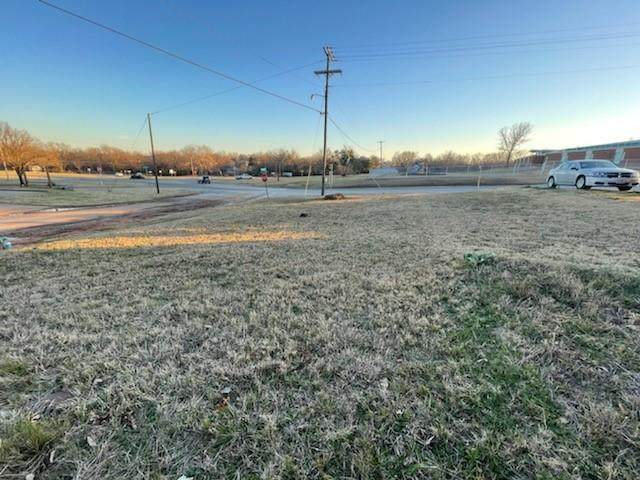 205 W Martin Luther King Street, Denison, TX 75020 (MLS #14499913) :: The Good Home Team