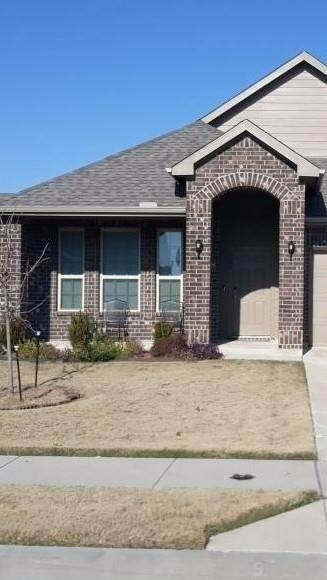 106 Cantle, Waxahachie, TX 75165 (MLS #14500359) :: The Kimberly Davis Group