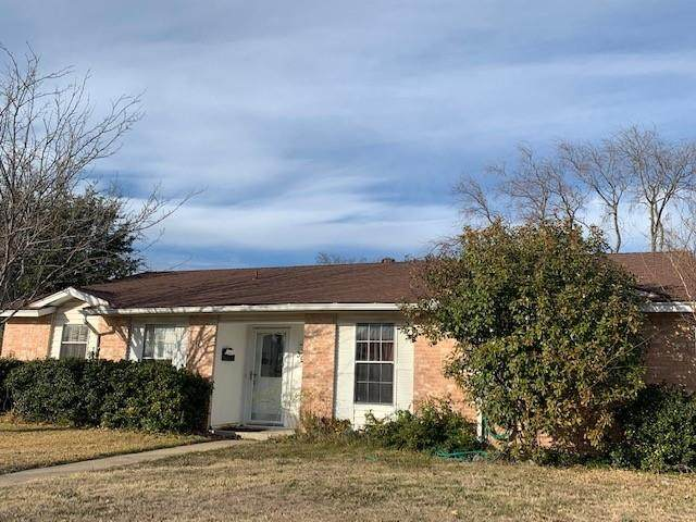 3917 O Henry Drive, Garland, TX 75042 (MLS #14501466) :: All Cities USA Realty
