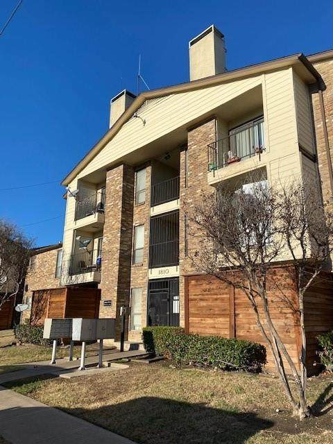 1810 N Garrett Avenue #223, Dallas, TX 75206 (MLS #14502490) :: Team Tiller