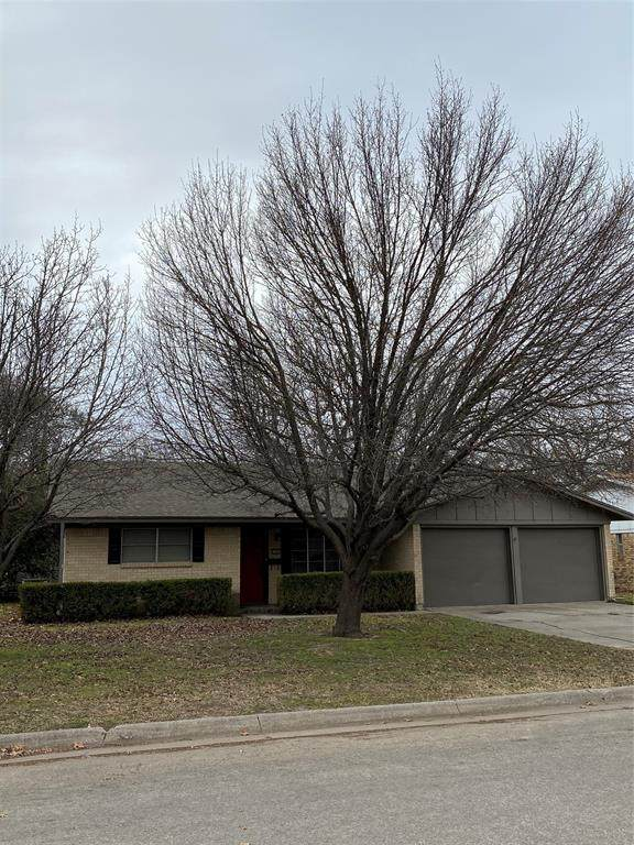 1107 Rosedale Drive, Gainesville, TX 76240 (MLS #14503027) :: Premier Properties Group of Keller Williams Realty