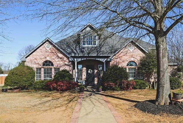 5355 Brittany Lane, Reno, TX 75462 (MLS #14503482) :: The Kimberly Davis Group