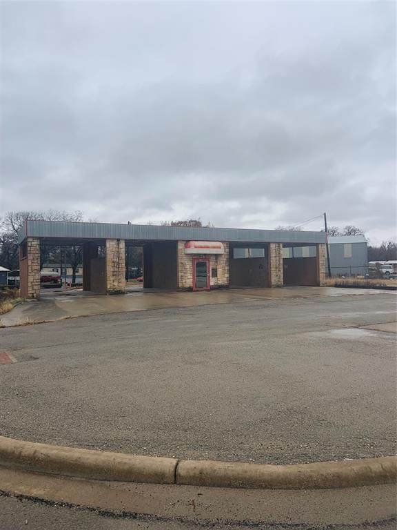 704 W Commerce Street, Brownwood, TX 76801 (MLS #14504955) :: The Heyl Group at Keller Williams