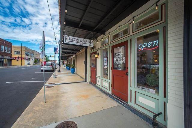 121 Lamar Avenue - Photo 1