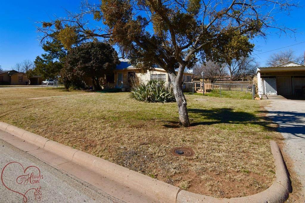 1742 Edgemont Drive - Photo 1