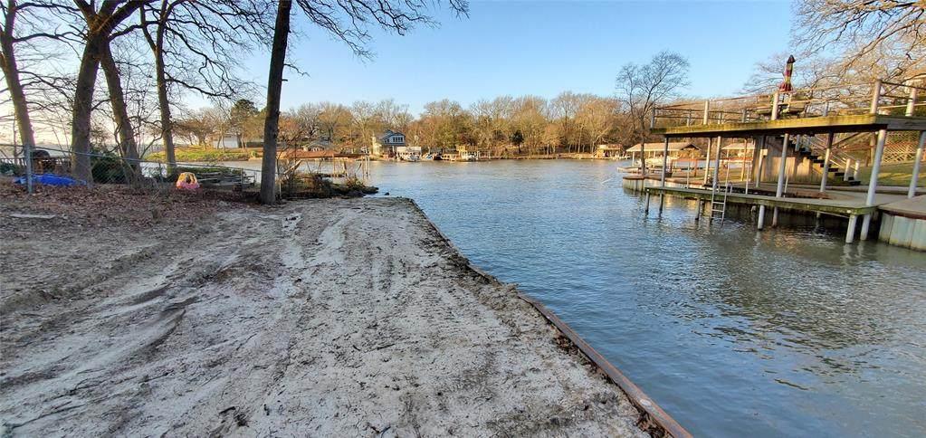 219 Oak Trail Drive - Photo 1