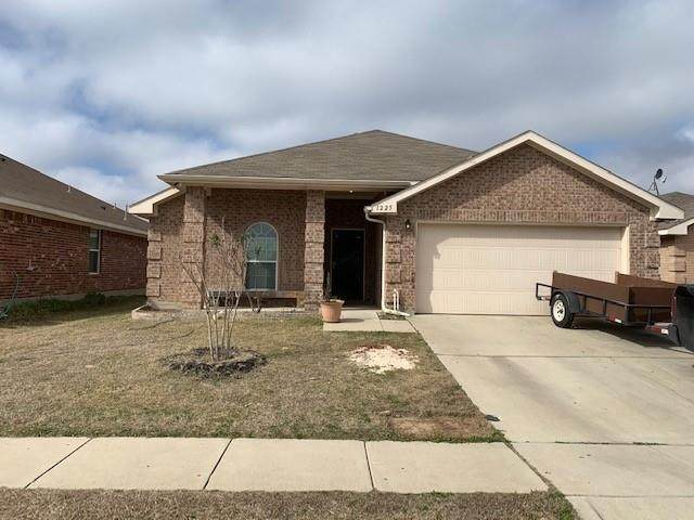 1225 Camden Yard Drive, Fort Worth, TX 76028 (MLS #14515616) :: All Cities USA Realty