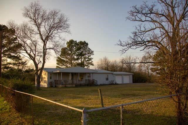 13601 Woodridge, Eustace, TX 75124 (MLS #14515766) :: Post Oak Realty