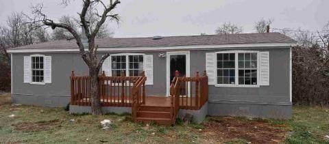 196 Lelon Lane, Springtown, TX 76082 (MLS #14517631) :: Trinity Premier Properties