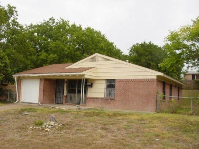 5720 Bluffman Drive - Photo 1