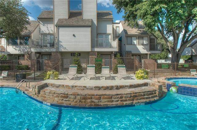 3125 Sondra Drive #205, Fort Worth, TX 76107 (MLS #14518092) :: Team Tiller