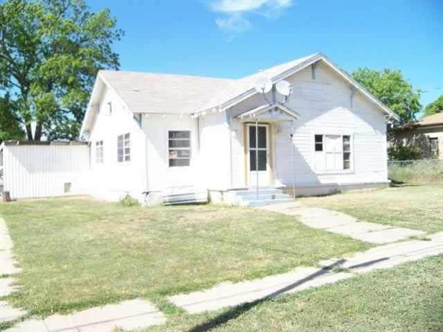 601 E 6th Street, Coleman, TX 76834 (MLS #14519385) :: Team Hodnett